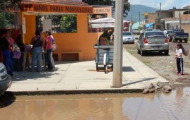 el-preescolar-pablo-montessinos-esta-rodeado-de-aguas-negrass