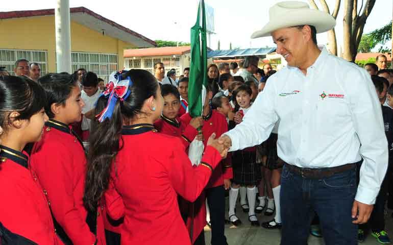 encabeza-roberto-sandoval-inicio-del-ciclo-escolar-2015-2016