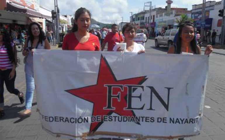 estudiantes-rechazados-en-nayarit-amenazan-con-huelga-de-hambre