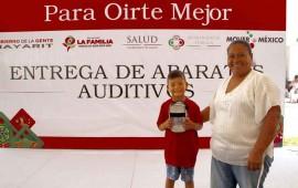 gobierno-beneficia-a-mas-familias-con-la-entrega-de-auxiliares-auditivos