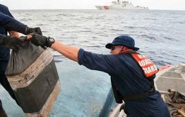 guardia-costera-incauta-semi-sumergible-con-8-toneladas-de-coca