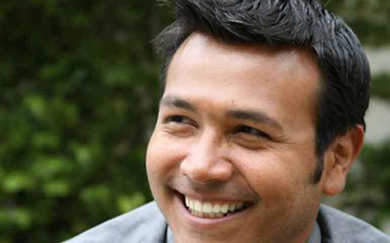hillary-clinton-nombra-a-un-mexicano-como-director-de-medios-hispanos