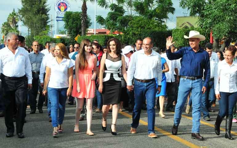 inaugura-gobernador-feria-del-elote-2015