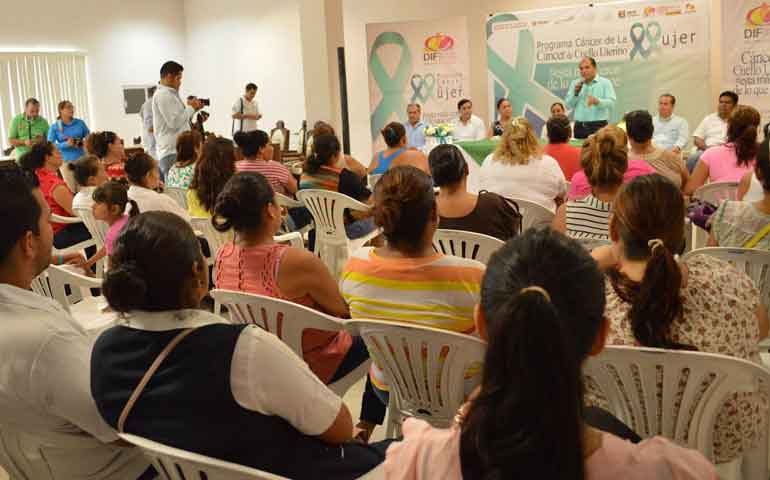 invita-jose-gomez-a-las-mujeres-a-ser-responsables-con-su-salud