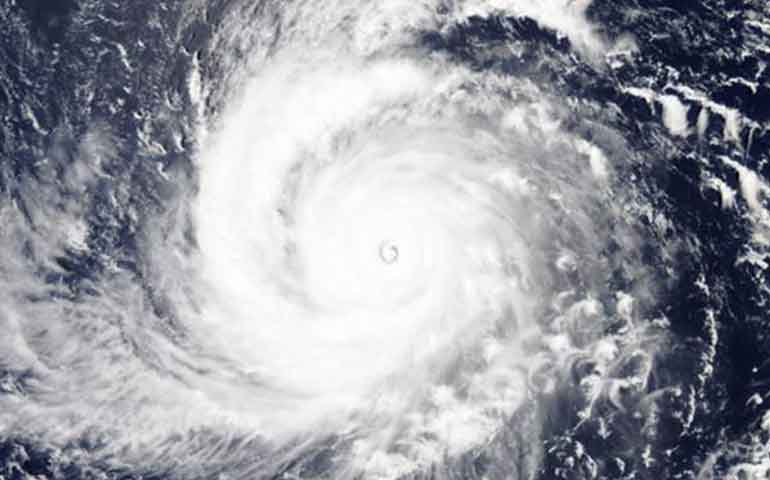 la-tormenta-mas-fuerte-de-2015-avanza-por-el-pacifico