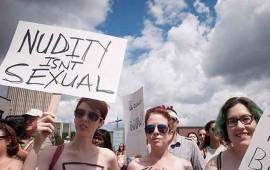 mujeres-canadienses-protestan-por-su-derecho-a-andar-en-topless