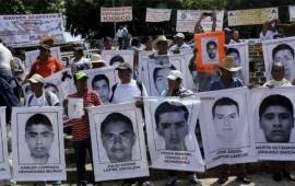 padres-de-los-43-normalistas-anuncian-huelga-de-hambre