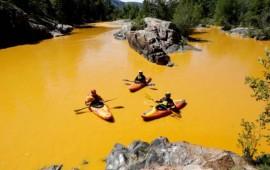 rio-de-colorado-se-tine-de-amarillo-por-derrame