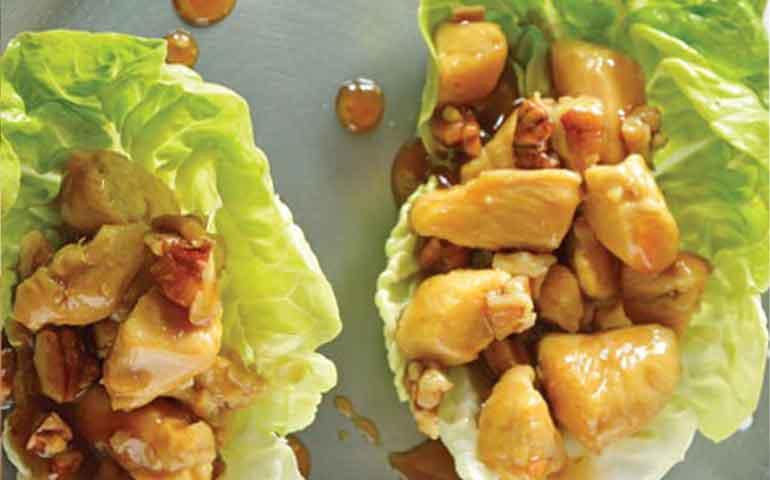 tacos-de-lechuga-con-pollo-asiatico