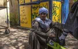 una-mujer-egipcia-se-vistio-por-42-anos-como-hombre-para-poder-trabajar-y-mantener-a-su-hija