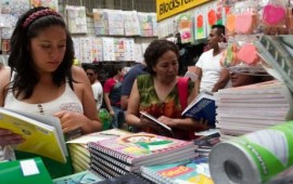padres-de-familia-inician-compras-escolares-en-nayarit