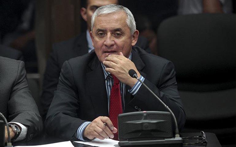 acepta-congreso-de-guatemala-renuncia-de-perez-molina