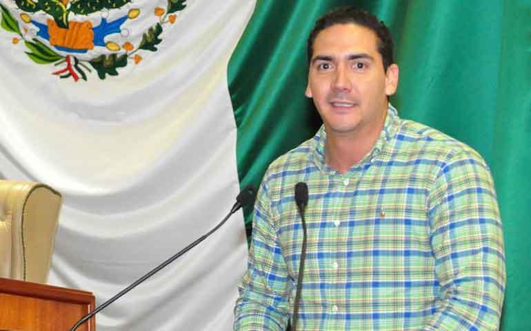 agradece-hector-santana-a-la-comunidad-sayulita-es-pueblo-magico