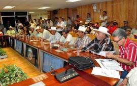 atienden-legisladores-demandas-de-los-campesinos