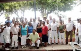 confian-en-hector-santana-los-lideres-de-vendedores-de-playa