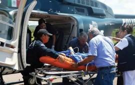 el-helicoptero-apache-salva-la-vida-de-joven-madre