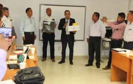 entrega-gobierno-equipo-digital-a-maestros-de-educacion-indigena