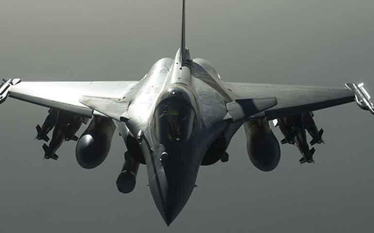 francia-inicia-bombardeos-contra-isis-en-siria