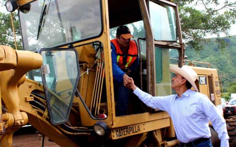gobierno-del-estado-invierte-en-mejores-caminos-para-tepic