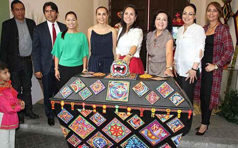 gobierno-promueve-la-cultura-con-la-exposicion-baules-con-alas-y-raices
