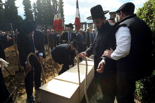 francia-entierra-finalmente-restos-de-victimas-de-holocausto