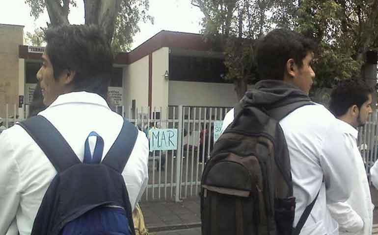 jovenes-rechazados-paralizan-actividad-de-la-universidad-michoacana