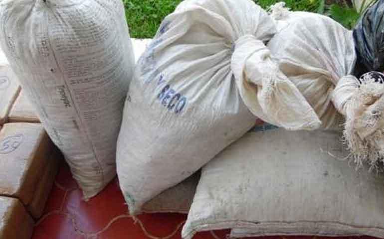 localiza-paquetes-de-marihuana-en-ixtlan-del-rio