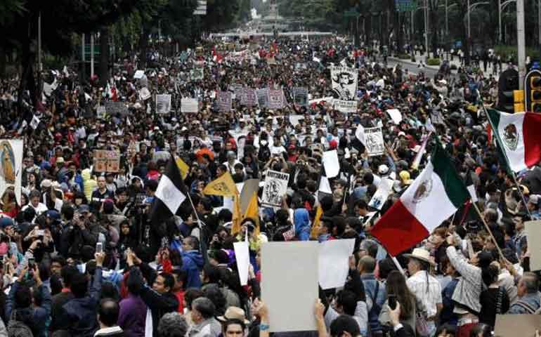 marchan-por-ayotzinapa-un-ano-despues