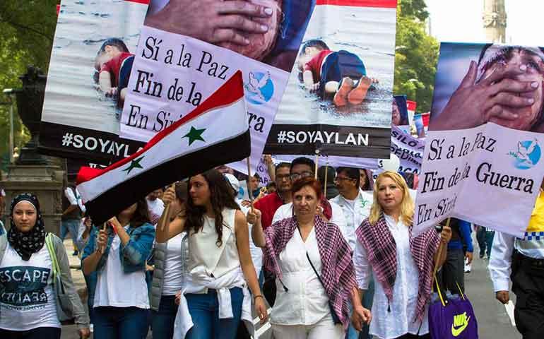 realizan-manifestacion-en-el-df-a-favor-de-la-paz-en-siria