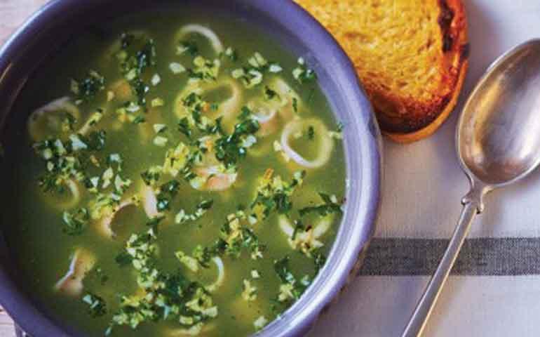 sopa-verde-de-mariscos