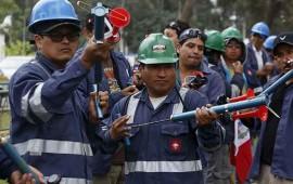 suman-4-muertos-en-peru-por-enfrentamiento-con-policias-durante-protesta