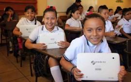tableta-digital-que-recibieron-alumnos-de-quinto-ano-de-primaria-sobrepasa-expectativas
