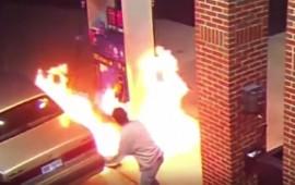 video-intenta-matar-a-una-arana-e-incendia-una-gasolinera