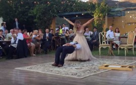 video-novio-levita-en-su-baile-de-bodas-y-se-hace-viral