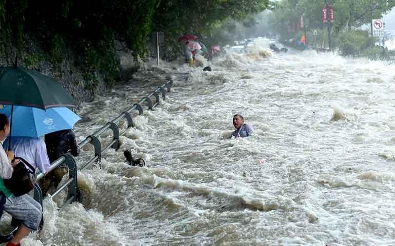 al-menos-11-muertos-en-china-por-paso-de-tifon-mujigae