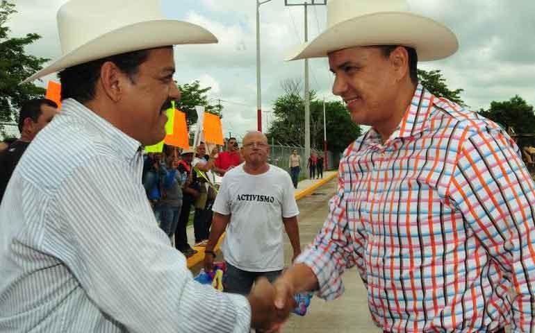 alcaldes-reconocen-el-buen-trabajo-del-gobernador