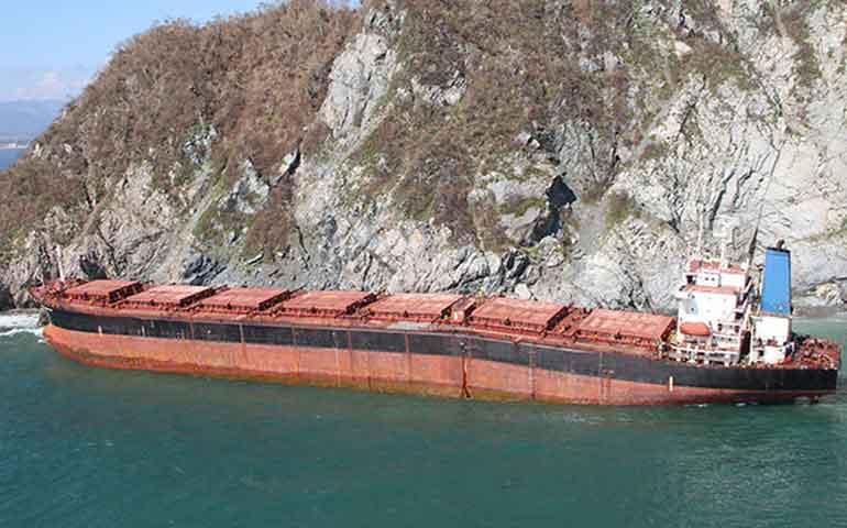 buque-encallado-por-patricia-sera-hundido-para-formar-arrecife-artificial
