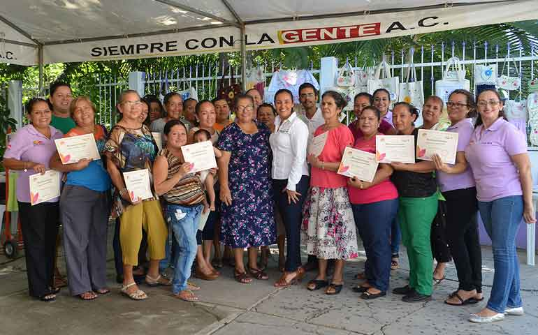 clausura-monserratt-pena-curso-de-bordados-de-liston