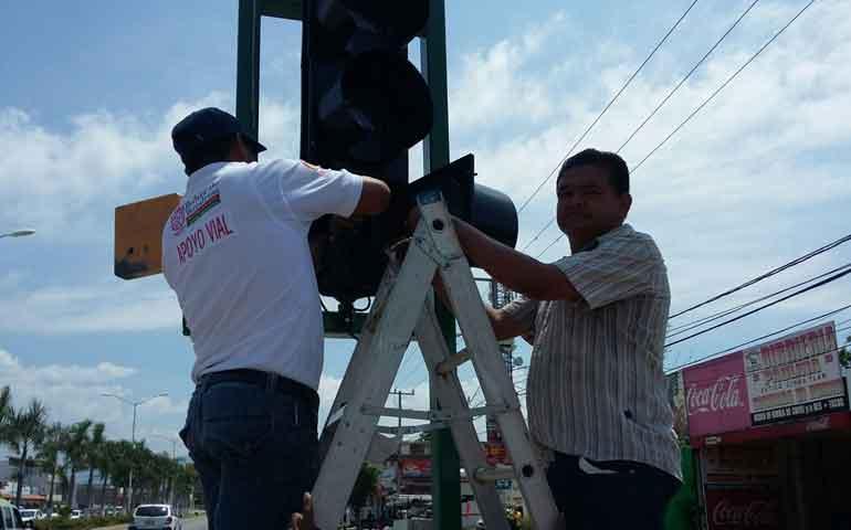 dan-mantenimiento-de-semaforos-en-bahia-de-banderas