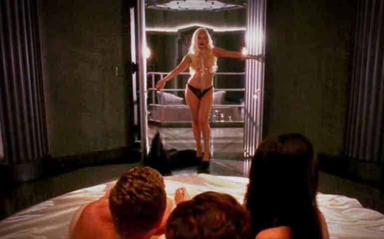 escandalo-de-lady-gaga-y-matt-bomer-aparecen-desnudos-y-en-plena-fiesta-sexual