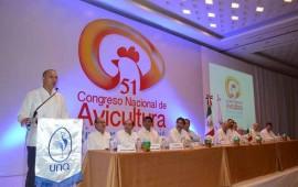 jose-gomez-da-la-bienvenida-al-51-congreso-nacional-de-avicultura