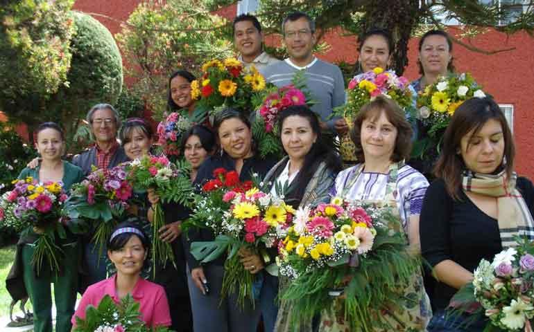 ofrece-icaten-cursos-florales-por-el-dia-de-muertos
