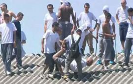 presos-realizan-motin-y-toman-rehenes-en-carcel-de-brasil