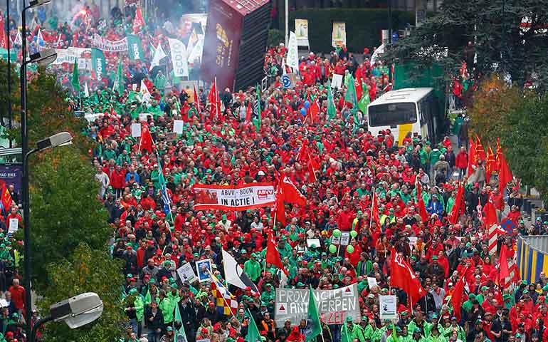 protestan-miles-de-personas-en-belgica-contra-el-gobierno
