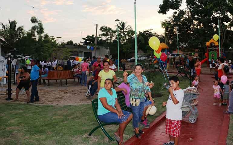 se-inaugura-nuevo-parque-recreativo-las-moras