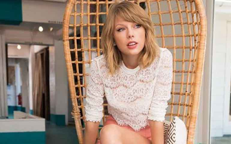taylor-swift-demanda-a-locutor-que-intento-manosearla