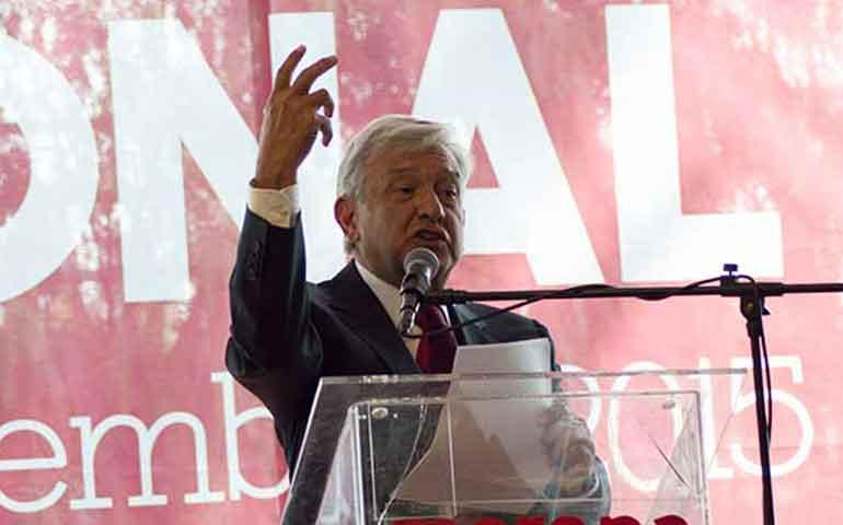 """AMLO llama """"corruptos y vulgares"""" a dirigentes del PRD"""