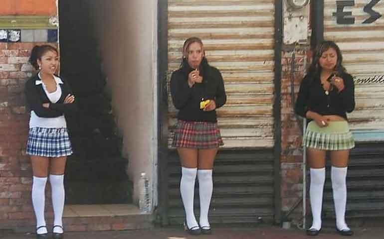 alumnas-de-prepa-y-licenciatura-se-prostituyen-por-un-coche