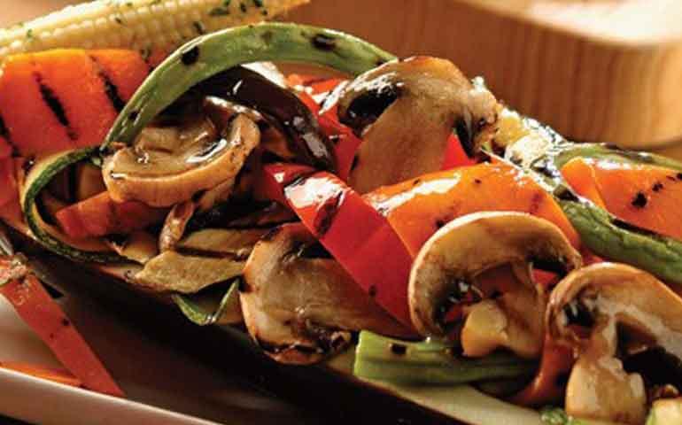 berenjena-rellena-de-verduras-asadas-con-vinagreta-de-romero