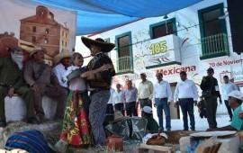 encabeza-alcalde-extraordinario-desfile-de-la-revolucion-mexicana